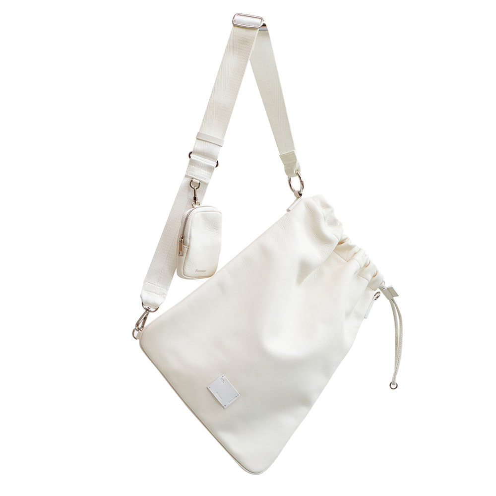 [DISCONTINUE] LEATHER SLING BAG - CREAM